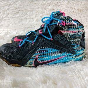 Nike LEBRON James 12 '23 CHROMOSOMES' size 8.5